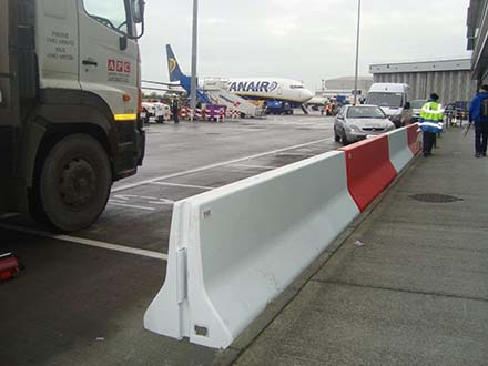 APC-130 - BSWF NJ Type 81-2 double sided barrier - 2m long.